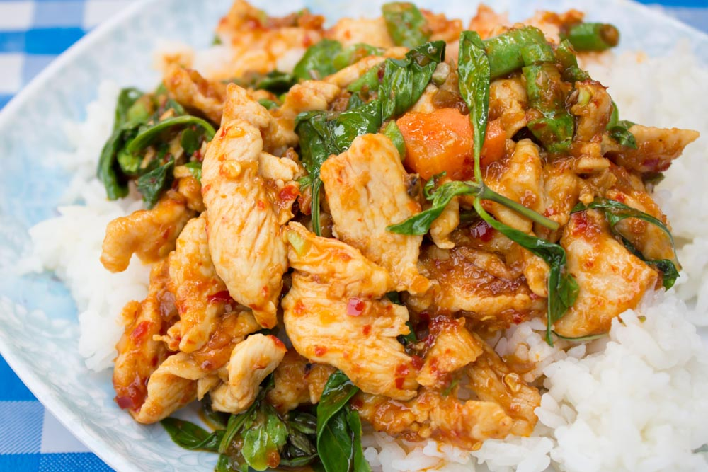 Stir fried chicken in holy basil and steamed rice